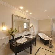 Stay overnight at Lanzerac, bathroom fit for a king!